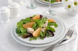 Una ensalada fresca y nutritiva para llegar al verano con los kilos justos. Ph Apolonia
