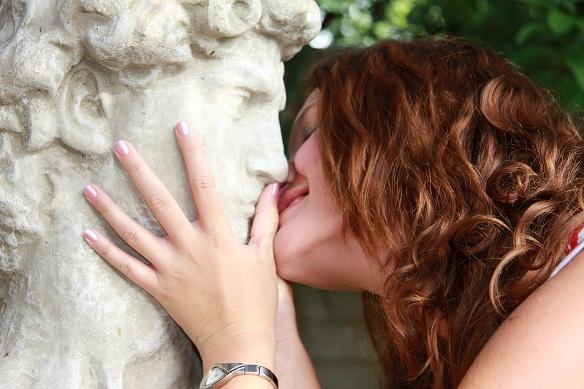 Besos-a-estatua