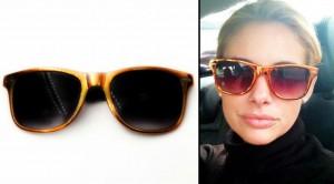 Alessa con gafas